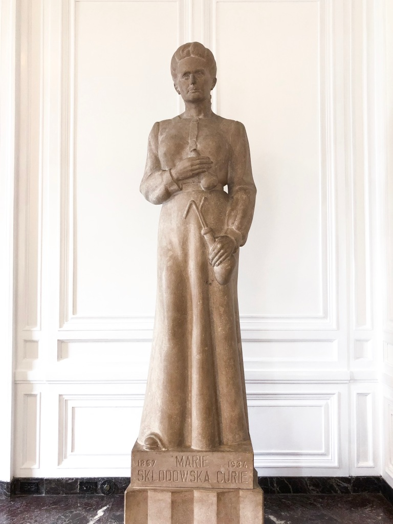 Statue of Marie Skladowska-Curie in the Hall of Immortals